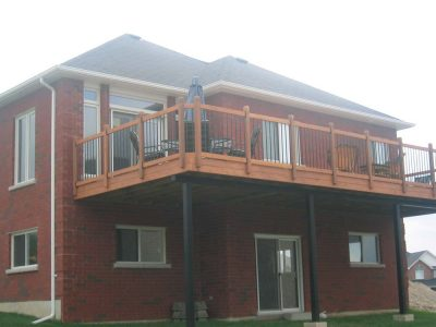 wood railing for elevated deck