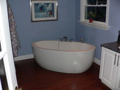 stand alone soaker tub